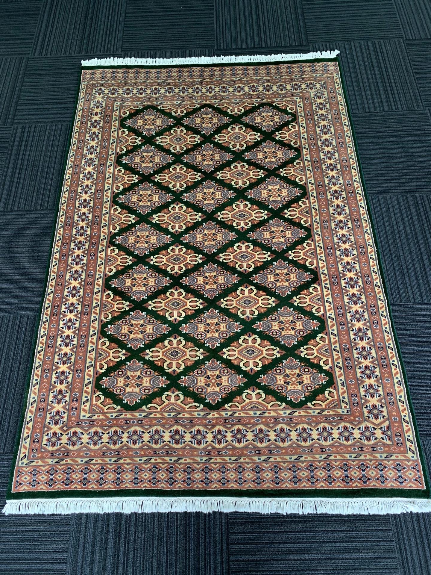 JA8424 パキスタン 手織り 136×203