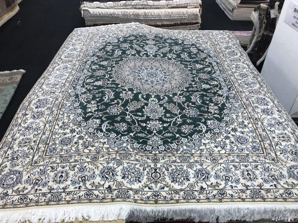 ナイン ペルシャ絨毯