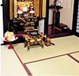 古代より伝わる高貴な蓮花模様や蓮池文様を配した御佛前専用の高級手織り緞通を上からみた画像